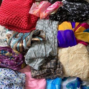 Bundle of 20 Fashion Scarves
